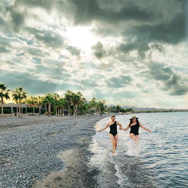 𝙽𝚘 𝚑𝚊𝚢 𝚗𝚊𝚍𝚊 𝚖𝚎𝚓𝚘𝚛 𝚚𝚞𝚎 𝚙𝚊𝚜𝚊𝚛 𝚞𝚗𝚊 𝚖𝚊ñ𝚊𝚗𝚊 𝚍𝚎 𝚟𝚊𝚌𝚊𝚌𝚒𝚘𝚗𝚎𝚜 𝚌𝚘𝚗 𝚝𝚞 𝚑𝚎𝚛𝚖𝚊𝚗𝚊 ♥️ . . . @80meli —Mi mejor amiga 🙏🏼 #momof3boys #mamádevarones #summer #loreto #summervibes #méxico #islacoronado #realmom #multitasking #mamasaurus #beach #postparto #toddlermom #makingmemories  #toddlerlife #momofboys  #puromachin  #pueblomagico #loretomagicobcs #islacoronadobcs #destinosconniños #makingmemories #bestfriend #hermanas