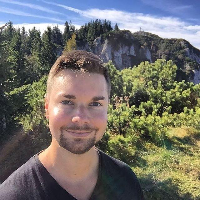 Wunderschöner Herbsttag und echt tolle Tour auf den Hochlantsch, zurück über Schüsserlbrunn, Steierischer Jokl,  Guter Hirte und auf die Teichalm, kann ich nur empfehlen:) #teichalm #styria #steiermark #austria #berge #hills #goodlife #travelgourmets #blogger #travelblog  #instatravel #instago #lowa #lowaboots #österreich #hikingadventures #hikinglife #hikingday #latschenhütte #almwellnesshotelpierer #foodtox #foodtoxofficial