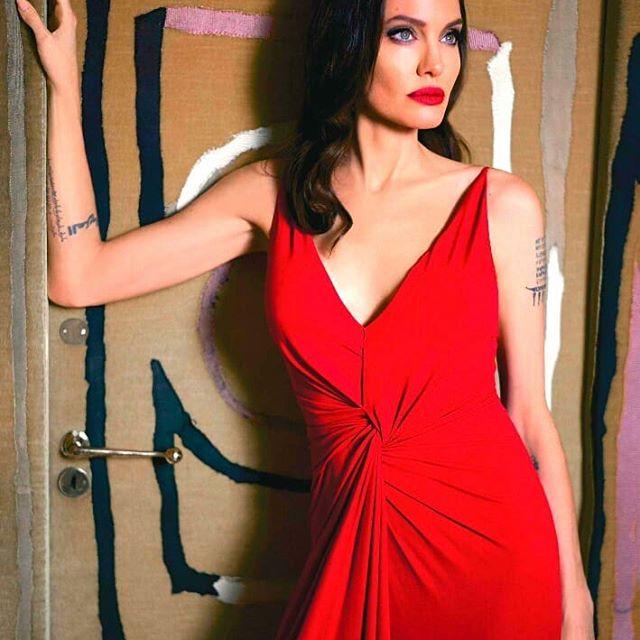 Angelina Jolie by Mathieu Cesar.  #angelinajolie, #mathieucesar, #guerlain, #monguerlain