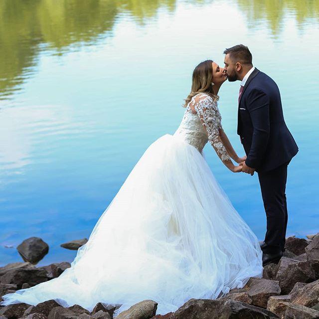 #mariage #robe #amour #life #family #one #love #baiamare #roumanie🇷🇴 #white #instafamily #instalove #weadding #photography📷 #loveisintheair #kiss @haidtl @pascatudorrazvan