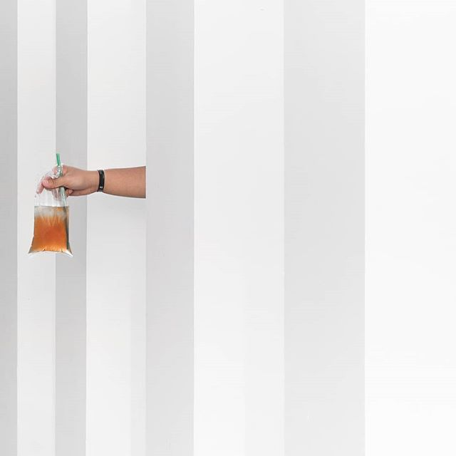 Hold on Loose, don't grip me so tight~~~ . . #minimalism #minimalisnusantara #minimalistphotography #minimalistgrams #minimalist #minimalisindonesia #mainsimple #ihaveathingforminimal #artclassified
