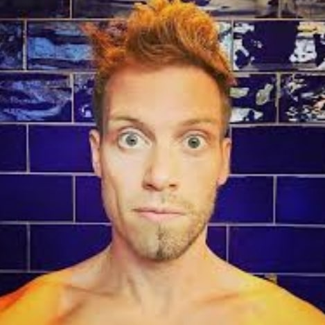Do not make a scary face for another year, just give thanks and enjoy your day.  Happy Birthday @barrettfoa 🎉🎉🎉🎉🎁🎂 #ncisla #barretfoa #ericbeale