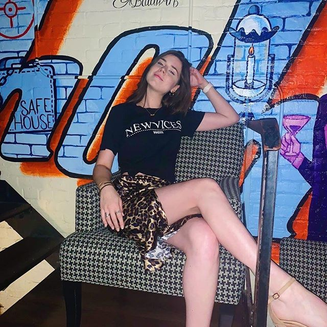 Grab a couple drinks and come sit with us, Agent @brennalaynekerr! #safehousemilwaukee #safehousemke #spybar #007 #Repost Hey Insta, it's been a MINUTE: my legs are still long and I'm still doin' just fine. Oh and I cut my hair off again 💇🏻♀️