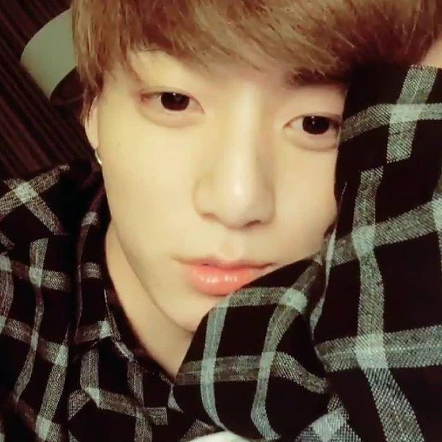 This was the cutest thing on VLive 😍 thank u Kookie #BTS #jungkook #kookie