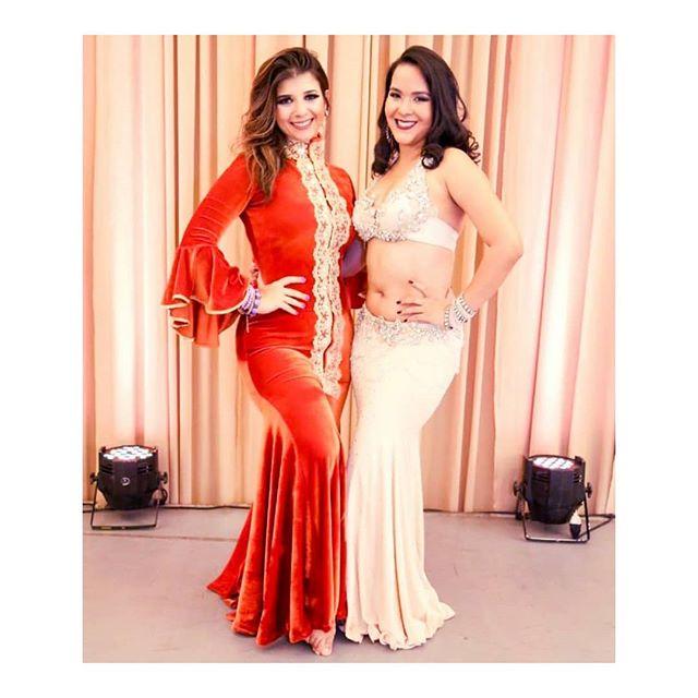 Duas bailarinas maravilhosas @pssaad  e @anapaulaazevedo00. XII Noite Árabe ainda mais especial com a presença dessa Bailarina incrível, seja bem vinda sempre ao Piauí Paty, e obg pelo Final de semana de muita dança.  REALIZAÇÃO: Studio Raks (@anapaulaazevedo00 e @mariglow) Lu Atelier (@luatelierdebordados) . #studioraksdedancaarabe #studioraks #teresina #mocambinho #bellydance #dancapi #dancadoventrepi #folclorearabe #dançadoventre #dancadoventreteresina #anapaulaazevedo #dancadoventrebrasil #aulasdedancadoventre #dancateresina #escoladedancateresina #studiodedanca #teamanapaulaazevedo #vidadebailarina #quemdancaemaisfeliz #revistashimmie #saudeteresina #entrecultura #paramulheres #somoskhan #escoladedança #bailarinakhanelkhalili #geleiatotal #bellymaniacas #orientalismo