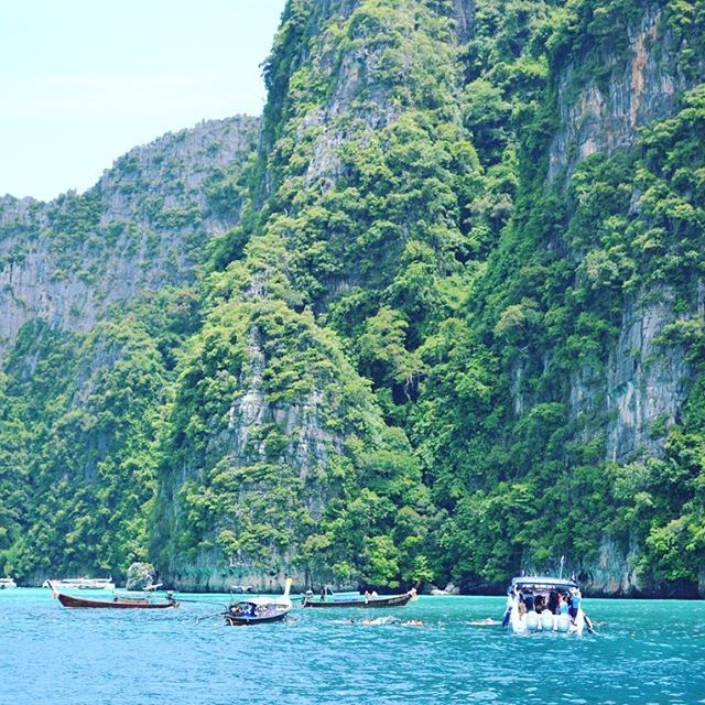 Sometimes all I think about is going back to Asia 🇹🇭 #thailand #kohphiphi #phiphiislands #mayabay #southeastasia