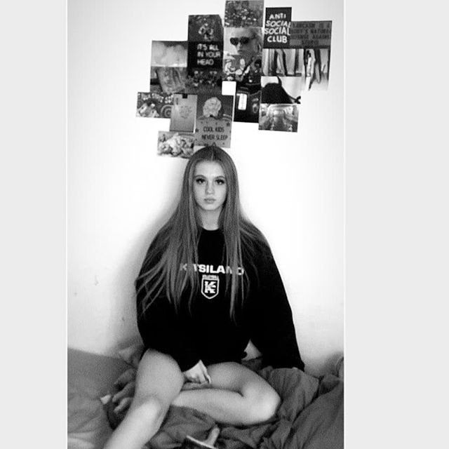 Grunge aesthetics🖤 . . . . . Top @rockitvintage1  Agent @mykidsagency Photography @ mercy.j.james.  @teenpromo . . #grunge #grungeaesthetics#fashionshoot#fashionedit#fashioneditorial#styling#blackandwhitephotography