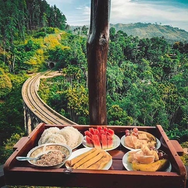Buenos días desde #SriLanka 📍 ¿Cuantos quisiéramos un despertar así?  #srilanka #srilankatrip #srilankatoday #srilanka2018 #srilanka2019 #srilankadaily #srilankadiaries #srilankabeach #srilankalife #travel #travelphotography #travelgram #travelguide #breakfast #breakfastwithaview