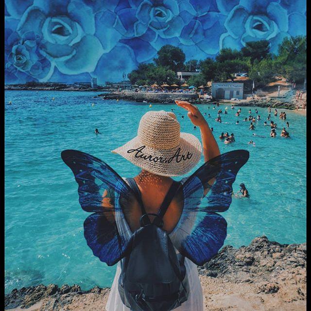 🌬️Imagine que le ciel soit un océan emplie de fleurs et que nous aurions des ailes de papillon pour s'envoler vers de nouvelles contrées. (◔‿◔)💫🦋 . . . #imagine #create #art #photo #picoftheday #travel #dreams #enjoy #happiness #creativity #artwork #edit #love #edits #butterfly #inspiration #igers_poitiers #imagination #surreal #moody #poesie #visualart #collage