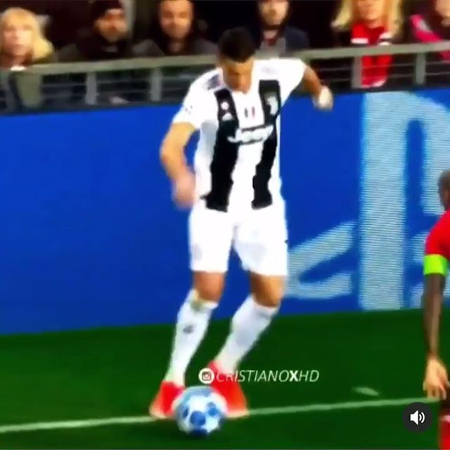 [10/09/2019] Good Morning from Germany!! Where are you from? @cristiano 🐐 • • • #cristianoronaldo #cristianoronaldo7 #ronaldo #ronaldo7 #cr7 #cr7juve #soccer #soccerskills #football #juventus #soccertraining #footballtime  #sport #sports #instadaily #fußball