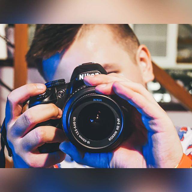 Zdjęcie zrobione w byle jakich warunkach na szybko i niecelowo może być serio śliczne 🤩🤩 Lubicie robić zdjęcia? 📸📸 Fot. @mrblociak . #instaboy #instagram #instalike #likes #photo #follow #followme #poland #polska