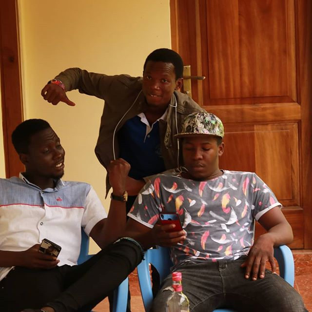 With the crew #Teamlimitless  SUBSCRIBE to My YouTube channel : :  #limitlessprincevlogs #maverick #mavericks #princeharry #princewilliam #knust #logang #MoonlightProductionsGh