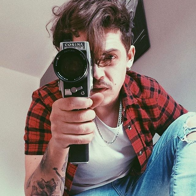 portrait 📹 • #santiago #camera #vintage #play #selfie #portrait #i #see #you