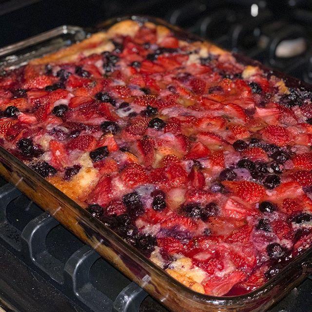 He bakes!!!! Double Berry Cobbler #foodporn #foodie #doubleberrycobbler #food #dessert #delicious #ig #iger #ignation #fromscratch #hebakes