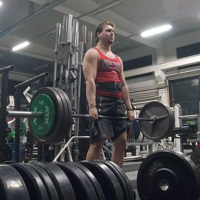 Lifting 💪  #gym #styrke #raiderlifestyle #bouncinfreaks #cashnloot #ballin #livinginthefastlane