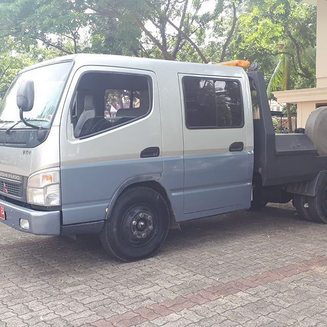 Dream ride...? Flatbed crew cab never fails!  #flatbed #mitsubishi #crew cab #canter #indonesia