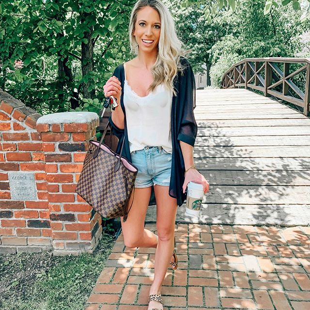 """Lace cami + shorts + kimono = Summer uniform 🖤 this black kimono is under $17 & comes in so many colors !! (wearing size small) Also, my shorts are still under $29 + an extra 15% off with code """"14980"""" 🙌🏼 // Trying out a New Mexican restaurant tonight & I am so excited for a margarita, chips + salsa & tacos 🙌🏼🌮🍹 is it 5 o'clock yet?! // Shop this look using link in bio or by downloading the @liketoknow.it app and following me! . . . . . http://liketk.it/2CRAG #liketkit #LTKstyletip #LTKsalealert #LTKunder50 #LTKshoecrush #LTKitbag #jessandnatpresets #summeroutfits #amazonfashion #amazonfinds #casuallooks #summeruniform #ootdshare #whatiwore #mystyle #dailylooks #affordablefashion #mystylediary #ootdgals #ootdstyle #hairstyles #outfitideas #lookbook #styleblogger #outfitinspo #myoutfit #styleinspo #summerlooks"""