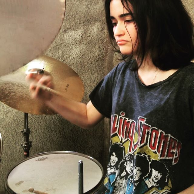 I hate myself for loving you Can't break free from the the things that you do I wanna walk but I run back to you That's why I hate myself for loving you  Thanks @joanjett for teaching me how to rock 🤘🏻🥁 #joanjett #ihatemyselfforlovingyou #drums #joanjettandtheblackhearts
