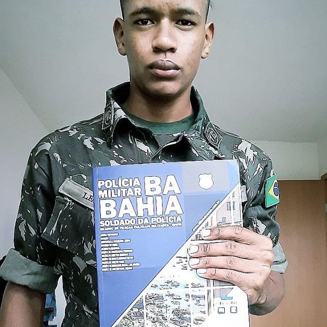 Rumo a aprovação @lemosyago VENDAS NO DIRECT! . . . . #policial #policia #policiamilitar #police #policiacivil #militar #papamike #pmba #policiafederal #pm #policialfeminina #bope #concurseiro #servireproteger #policiafeminina #brasil #concurseira #estudaquepassa #honra  #policiabrasileira #prf #pf #pmbahia #pmbahiana #policiamilitardabahia #pmbahia2019⚡💀⚡👊 #pmbahia2019  #pmba2019👮🏻♀️
