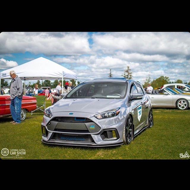 Biggest thx to @grounded_rs for finding this picture of my car at the National Capital Car Show @thewcparks 👊🏼👌🏼🔥 My first picture of my car without me taking the photo and posting it🤗🥰 Now I can say that the licence plate lives up to its name🙏🏼🙏🏼🙏🏼🙏🏼🙏🏼🙏🏼 #mountuneusa #canadian_focus_rs #focusrs_owners  #fordtuningundco #focusrsarmy #innovation_performance_tech #ford_fansclub1 #trackwerks #raptor_racing #toronto.rs.nation #focusrs #slammed #stratifiedauto #rsperformance2018 #elegance_auto_spa #boostnnperformance #flowdesignsaus #flowdesignsfamily