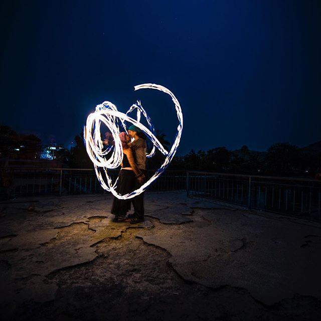 "௸♡ . . . مساكم سعادة🌷💙☁️ .  تمنى السعادة للناس ، كما تتمناها لـ نفسك .. تُسعد !💙 🙏🏽💙💭 . . . 🔹Camera : Nikon D800e 🔹lens : Nikon 14-24mm f/2.8 🔹Shutter speed :  1""s 🔹Apreture : f/14 🔹ISO : 160 🔹filter : w/o . . #i5i #Nepal #lightphotography #lightpainting  #nikon #nikond800e"