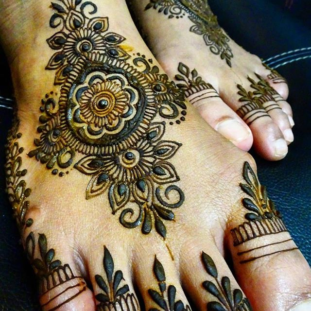 DON'T FORGET @PAPERMARKINGS @ SHAHRANAKHAN AND #KHAIRHENNA  info.khairhenna@gmail.com Whatsapp: 9073 7296 --- #henna #henna art #girl #girls #love  #me #cute #picoftheday #beautiful #photooftheday #instagood #fun #smile #pretty #follow #followme #hair #friends #lady #swag #hot #cool #fashion #igers #instagramers #style #sweet #eyes #beauty