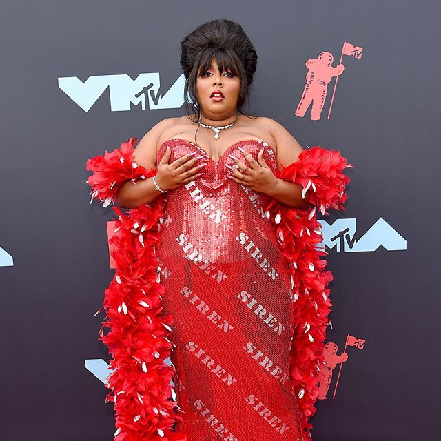 Lizzo won the #VMAs and owned hot girl summer 👏