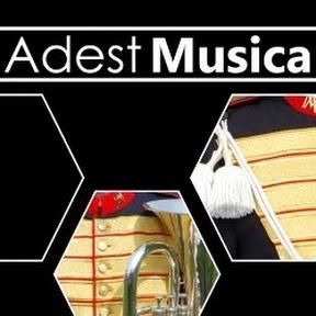 Adest Musica