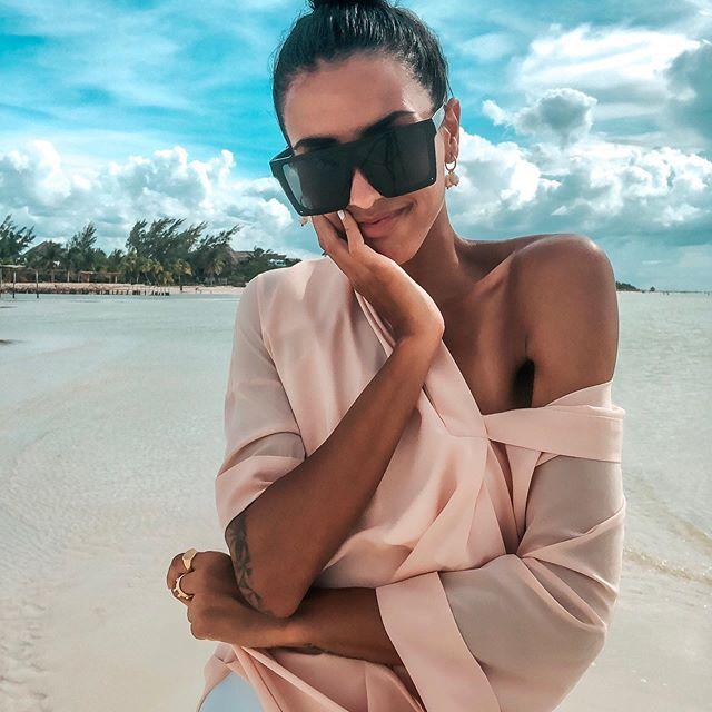 Stay focused on whatever you want to do and don't doubt yourself🌺 #motivation Nach einem Monat voller Reisen und Abenteuer wird mir bewusst, wie glücklich ich mich schätzen kann ⭐️💫 Ich bin für alles sooo dankbar 🙏🏽 und motiviere euch das zu machen, was euch glücklich macht- raus aus der Komfortzone!! Ihr seid für euer eigenes Glück zuständig 😌 #travel #photo #mexico #beachgirl —————————————————— #ootd #style #travelphotography #travelgram #photooftheday #instatravel #travelling #travelinspo #berlinblogger #ootdblogger_de #blogger_de #fashionblogger_de #style #styleinspiration #outfitinspiration #outfitlook #outfitideas #ootdinspo #ootdblogger #fashion_blogger #aboutalook #outfitday #stylegoals #modeblogger #styleblogger