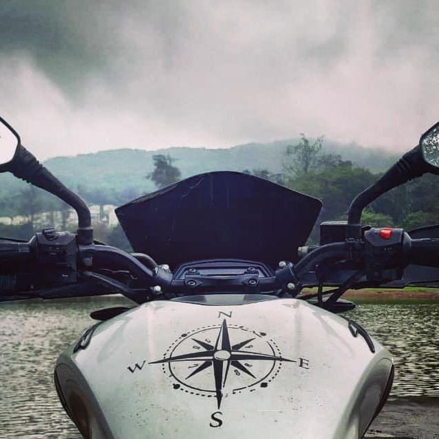 One clutch, six shift. Unleashed power.  #love #motorcycle #travel #instagood #bikersofinstagram #photooftheday #adventure #lake #mountains #rider #dominor400 #d400 #compass #bajajdominar #rideordie #rideforlife