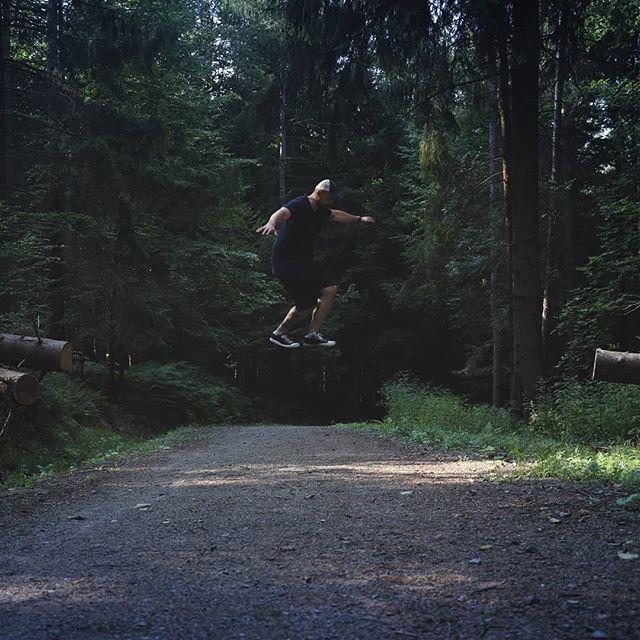 Gdy Blair Witch wejdzie za mocno  #las #maxigashi #magia #lewitacja #outdoor #forest #natura #drzewo #niewidzialnedrzewo #essa