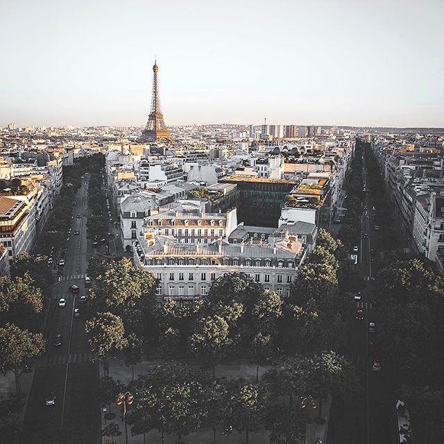 Paris 🌍 cc: @ryanxhoward Rate 1-10 😍