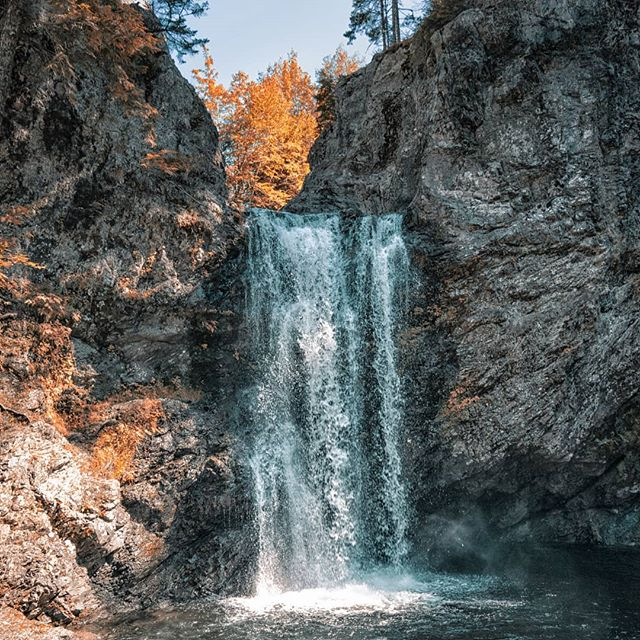 """""""Water is the driving force of all nature."""" – Leonardo da Vinci  Print link in my bio ☝  Photocredit 📷@olegverphoto . . . . . . . . . . . . . . . . . . . . . . . . . . . .  #waterfall #fall #cascade #NovaScotia #livelovecanada  #Canada #nature #outdoor #landscape #naturephotography #landscapephotography #water #halifaxns #hfx #eastcoast #halifaxlocal #discoverhalifax #halifaxblogger #photography #visitnovascotia #natgeotraveller @ns_parks @nsgov @livelovecanada"""