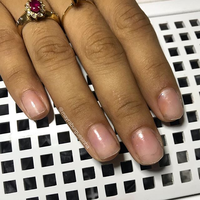 Arraste para o lado e veja a transformação ❤️ • AGENDAMENTOS 98162-7829 . . . . . . . . . . . . . . . . #manicured #manicure💅 #manicureepedicure #alongamentodegel #unhasdegel💅 #keycacau #teamkeycacau ##mayraburguesinha #manicurehybrydowy #manicuretop #manicureporamor #manicuresvideos #nails2inspire #nailstagram #nails💅 #nailstyle #nailselfie