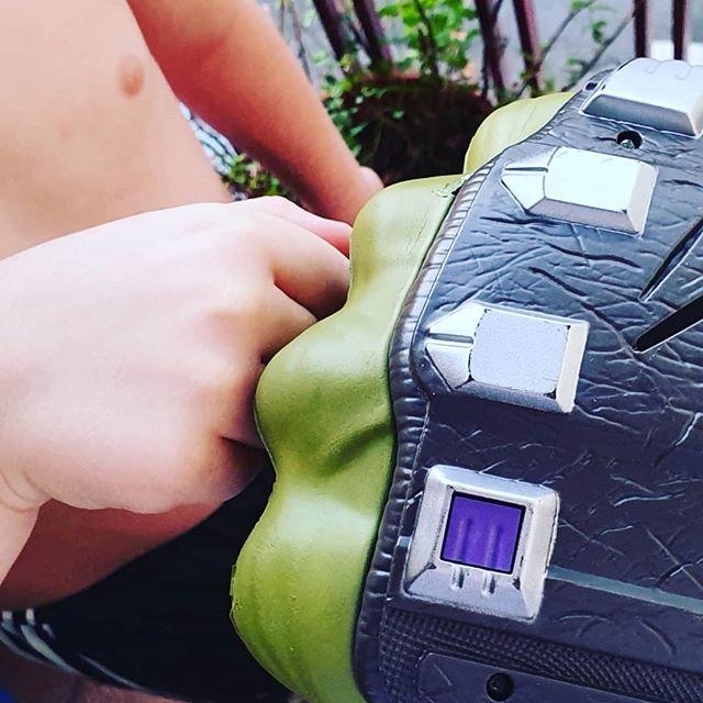 My buddy 🤜🤛💕 . . .  #alwaysyou #mylittleboy #proudmom #mybuddy #avengers #hulk #enjoythelife #myhappiness #momandson #mifelicidad #ianymamá #love #blessed #godblessyou #happy #loveyou