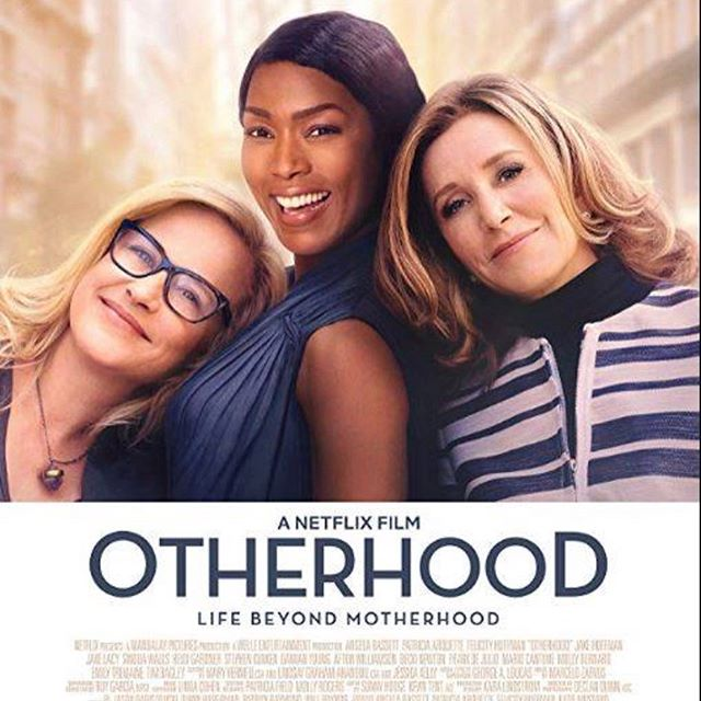 BIG DAY!  7th Row artist Kate has the pleasure of working with Cindy Chupack director of the movie OTHERHOOD.  If you haven't heard of Cindy, maybe you'll recognize her writing skills for shows such as Sex And The City & Everybody Loves Raymond! Today Cindy is on a media tour with local television & radio stations & TONIGHT @ 7:00PM Screenland Armour will host a screening of OTHERHOOD.  Show starts at 8:05pm! Screenland Armour 408 Armour Rd. North Kansas City, MO 64116 Capacity: 235  A HUGE THANK YOU to Joe, Pete, Cindy & Kate!  #7throwproductions  #onlocation #hairmakeup #movies #smt #screenlandarmour #kctv5 #kmxv-fm #wdaftv4 #kshb41 #fox #cbs