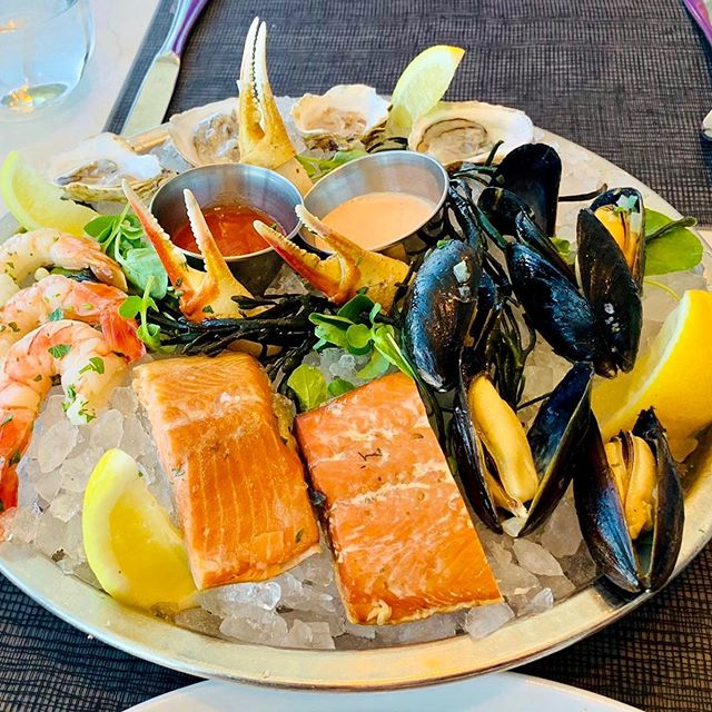 Seafood Saturdays..the claws are out 😬😉 . . . #london #saturday #fresh #seafood #alert #salmon #mussels #prawns #oysters #eatclean #lunch #protein #rich #foodie #foodphotography #healthyeating #eatfamous #postworkout #loveseafood #yummy👌😋
