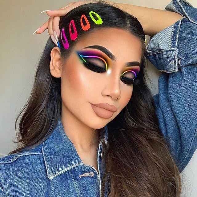 🌈 Stanning for a Neon Rainbow 🌈 😍😍 @makeupbyalinna . . Follow & tag @slayandblend for a feature 💗 . . . . #makeuptutorialsx0x #allmodernmakeup #slayandblend #wakeupandmakeup #explorepage #anastasiabeverlyhills #fakeupfix #makeup #make4glam #glam #mua #motd #motd💄 #makeuplover #instamakeup #inspiration #makeupart #eyemakeup #eyeshadow #eyeliner #lashes #brow #morphebrushes #rainbow #pridemonth #neon #smokeyeye #nyxcosmetics #hudabeauty #pride
