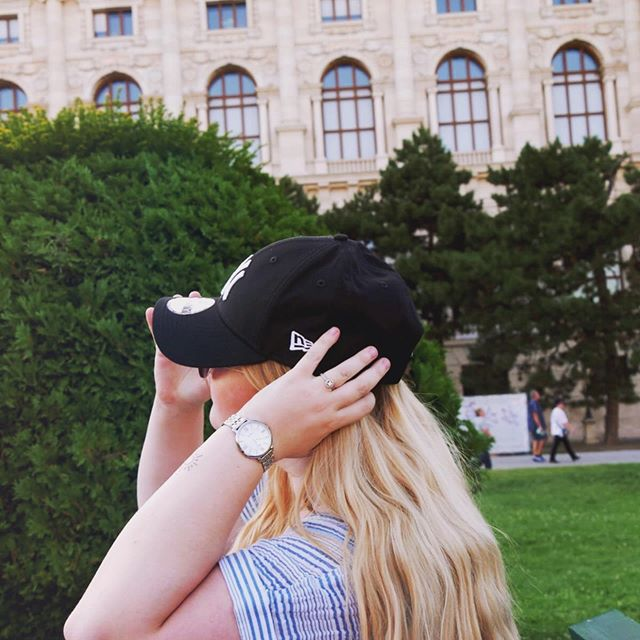 Remember who you are! ❤️ #summer #me #photooftheday #dailyinspo #ootddaily #shootingtime #blondesandcookies #prettylittleiiinspo #blogger_de #quote #feminsm #selfconfidence #selflove #newera #vienna