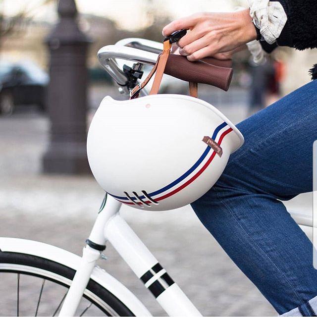 Les casques Thousand sont désormais disponible sur sboconnect.com 🛴🚲🛵 #thousand #casque #securite #scooter #trottinette #urbanmobility #urbantransport #losangeles #paris #style #veganleather #security #sbo #sboconect #cool #nice #frenchflag