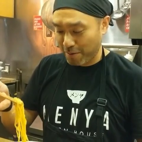 Just in case you forgot over the long holiday weekend, here's how to correctly slurp ramen from our @menyaramenhouse experts. Practice your own slurping skills tonight at #RamenLab!