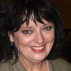 Angela Cartwright - Topic