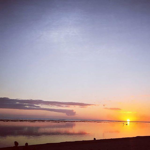 Le soleil s'en va la nuit s'installe #reunionisland #natureisbeautiful