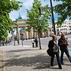 Brandenburg Gate - Topic