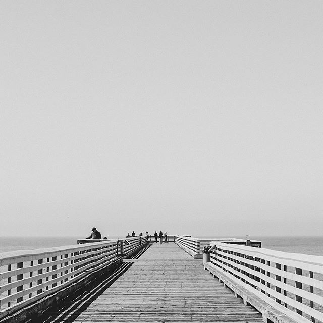 Croozy Toosday 🙇🏽‍♂️ • • • #photography #fishing #california #travel #blackandwhitephotography #blackandwhite #jetty #boardwalk #canon #canonphotography #canon80d #photooftheday