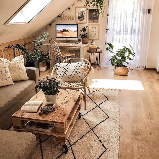 Uwielbiamy poddasze u @tatiana_home_decor 😍✨ #homebook #homedecor #homedesign #interior #living #interiordesign #designhouse #attic #poddasze #inspirations