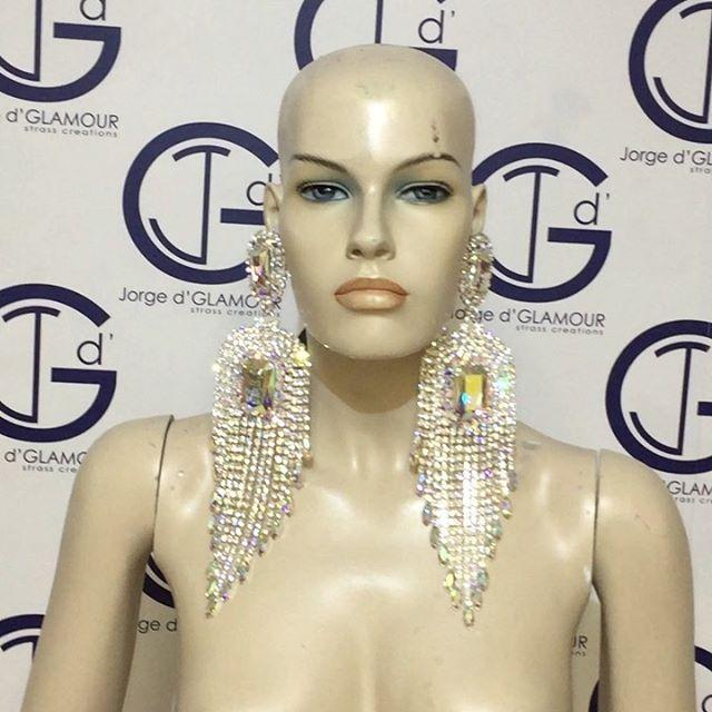 #jewellery #jewelrydesign #fashiondesigner #dragqueen #dragrace #dragqueenitalia #dragqueenshow #missdragqueensardegna 2004 @velenacostitution