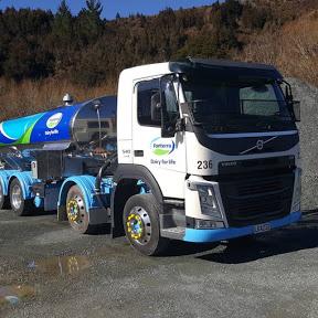 Silvia Parra : Trucking NZ