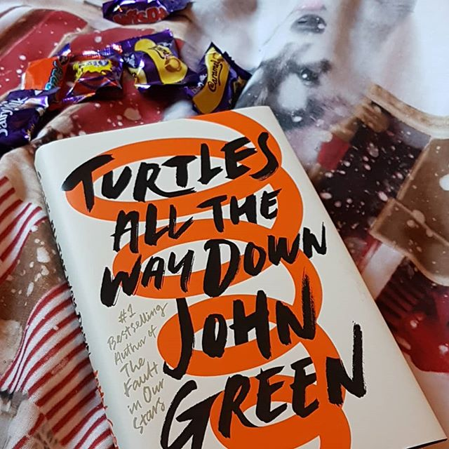 It's been a busy few months for me with my PGCE placement, but I finally have some free time to read 📚❤ #bookstagram #bookstagramer #booktube #booktuber #bookblogger #bookreviewer #epicreads #booknerdigans #booknerd #reading #turtlesallthewaydown #johngreen #yalovin #ya #yalit #youngadult #hardback #hardcover #christmas #winter