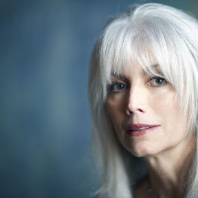 Emmylou Harris - Topic